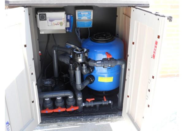 Depuradoras piscinas madrid instalaci n clorador salino for Depuradora de arena para piscina