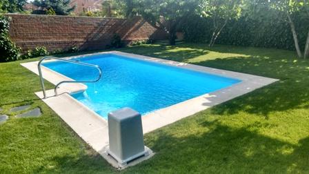 Compacta 6 l compacta piscinas iberfibra for Piscina coslada